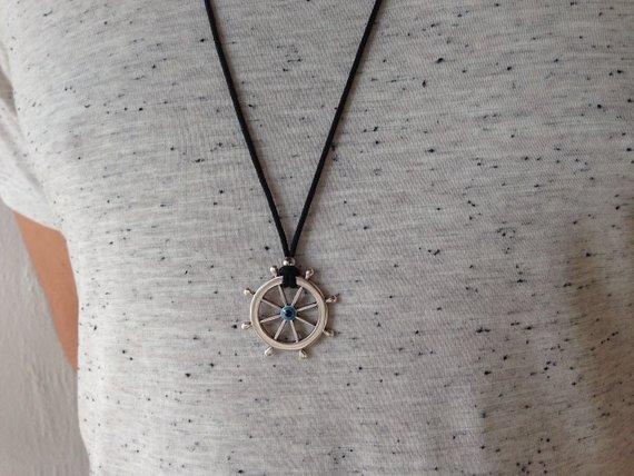 Men's rudder necklace