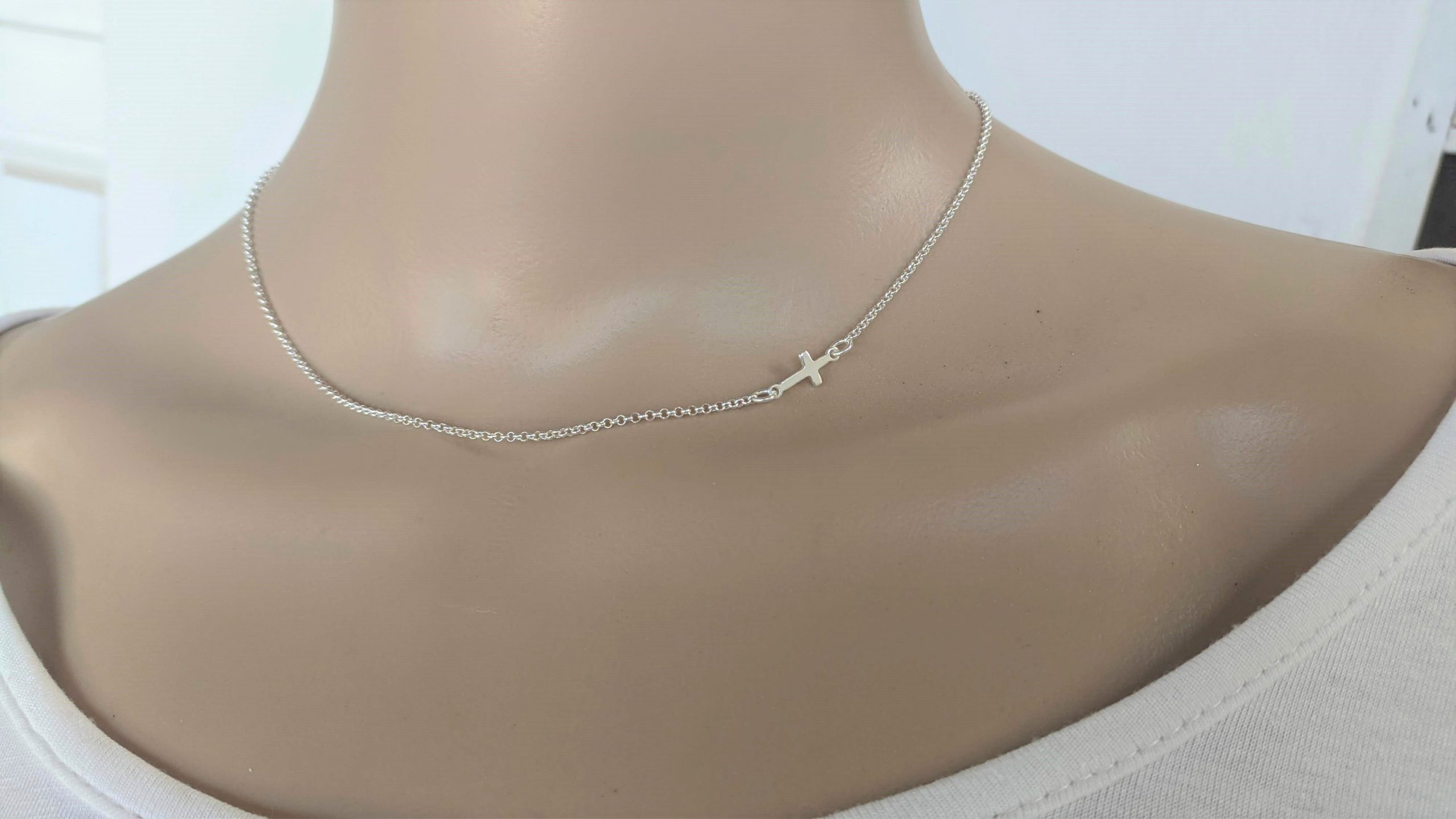 cross side necklace
